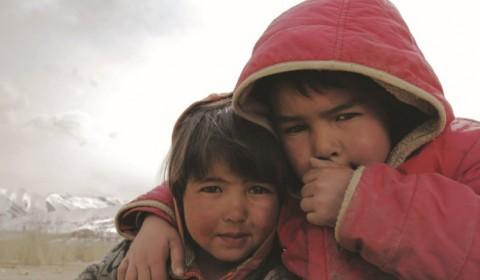 Alene i Kabul – Historien til Sakina og Shukria